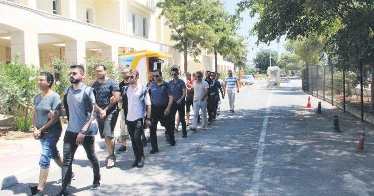 7 ilde 81 gözaltı! Hava'dan ihraç edilen FETÖ'cüler yakalandı