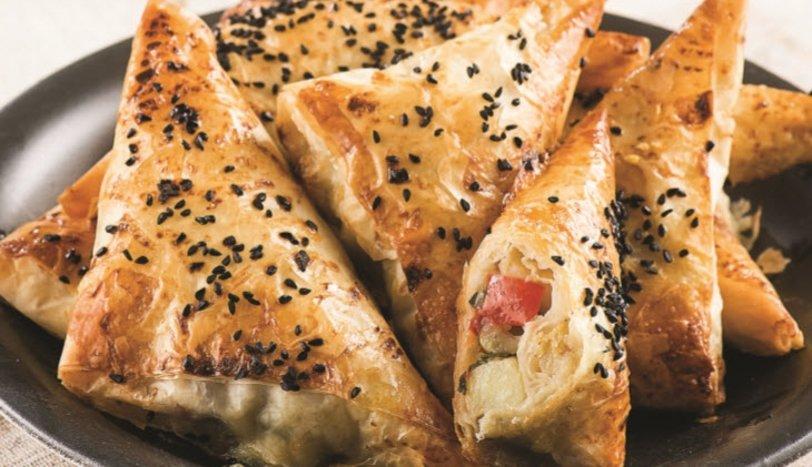 Baklava Yufkalı Sebzeli Börek