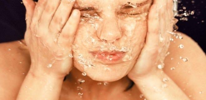 Yüzünüzü yıkarken bu noktalara dikkat edin