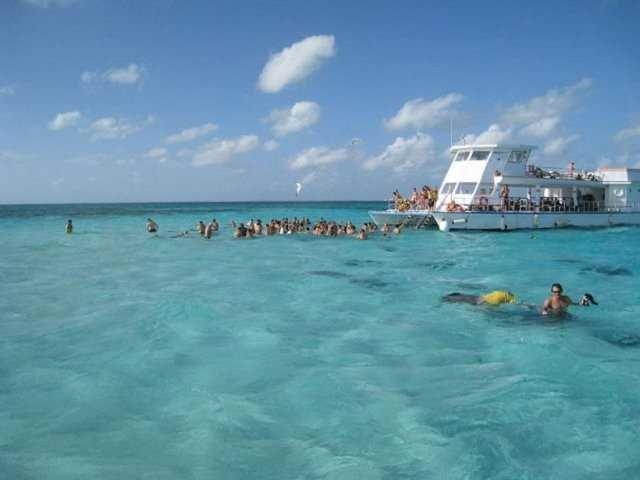 Burada yüzmek cesaret ister!