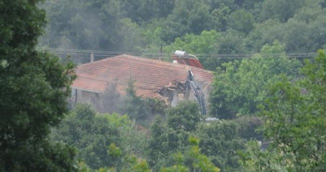 İYİ Partili Türkkan'ın kaçak çiftliği yıkılıyor!