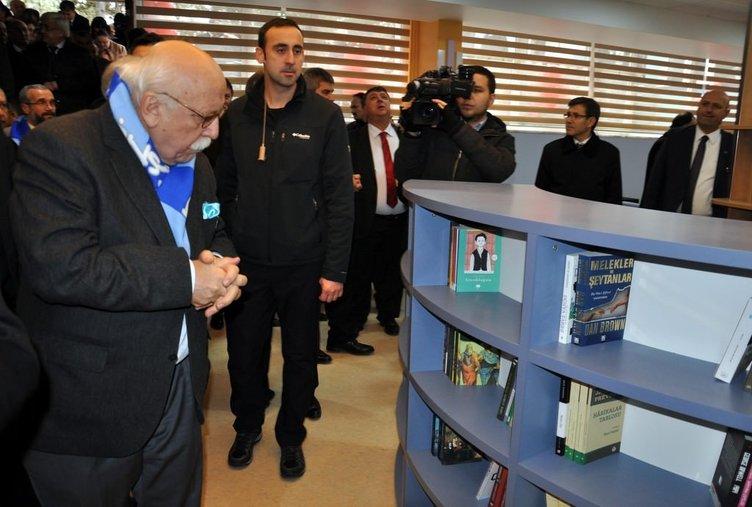 Nabi Avcı kütüphane açılışı yaptı