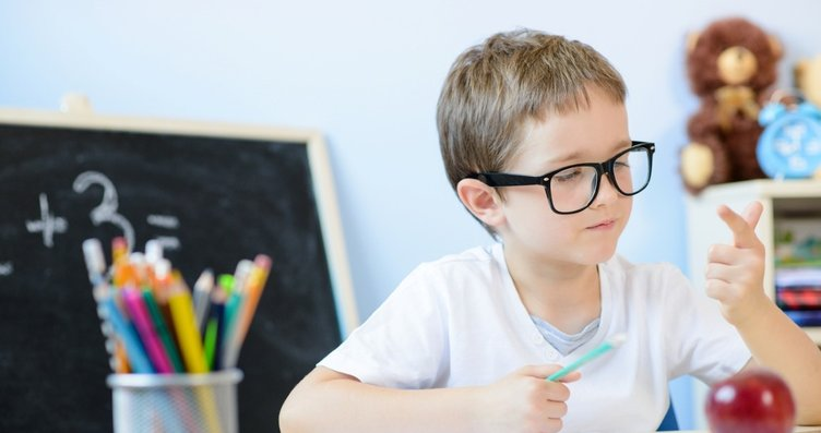 Gözdeki o sinsi sorun okul başarısını etkiliyor!