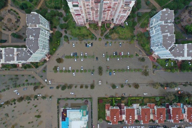 İzmir'deki sel felaketi havadan görüntülendi! Araçlar sular altında kaldı