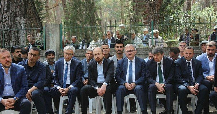 Cumhurbaşkanı Erdoğan'ın avukatı Ahmet Özel'in babasının cenazesi toprağa verildi