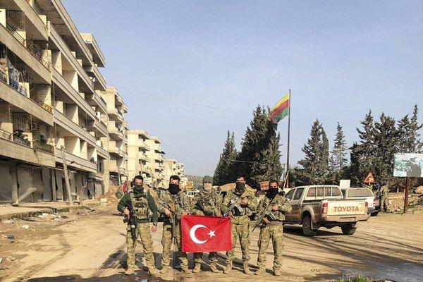 TSK ve ÖSO birlikleri Afrin ilçe merkezinde kontrolü sağladı