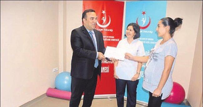 Anne adaylarına eğitim sertifikası