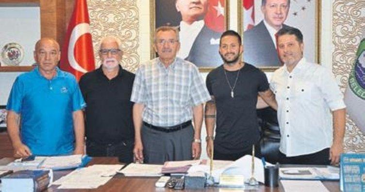 Serik Belediyespor transfere hız verdi