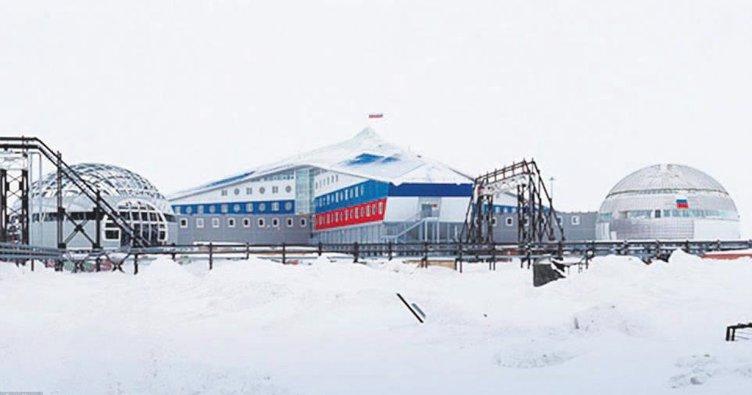 Rusya'dan Kuzey Kutbu'na dev üs