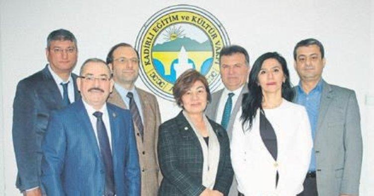 KAVAK'ın yeni Başkanı Emine Varmış oldu