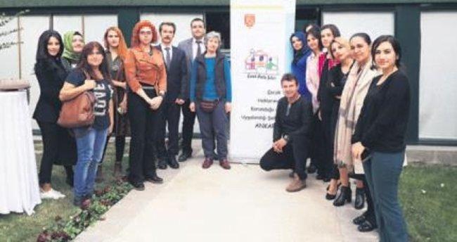 """VEKAM'da 121 öğretmene """"Çocuk Dostu Şehir Ankara"""" eğitimi verildi"""