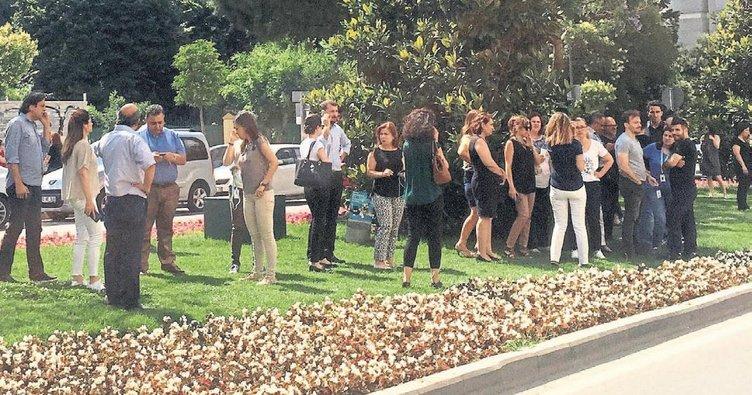 İzmir'de deprem şoku