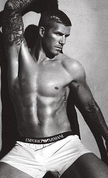Beckham çifti Armani için kamera karşısında