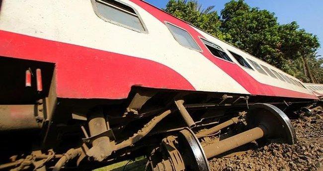 Mısır'da tren ile otobüs çarpıştı: 2 ölü, 6 yaralı