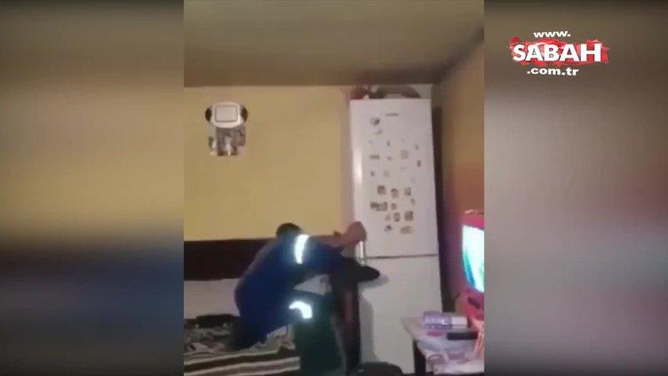 Buzdolabına torpil atarak eğlenmeye çalışan adam hayatının hatasını yaptı!