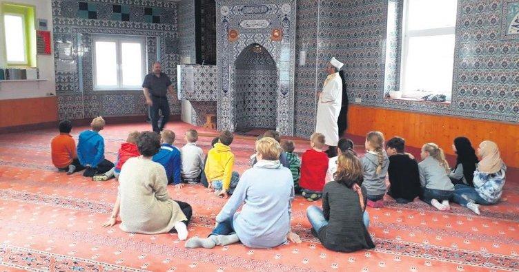 Cami ziyaretini engel ceza getirdi