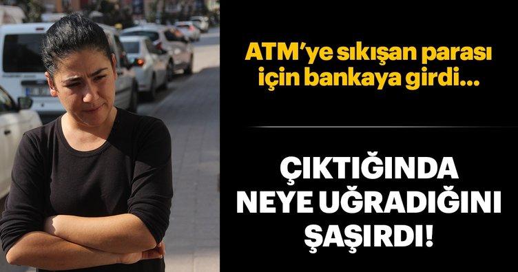 ATM'ye sıkışan 300 lirasını çaldılar