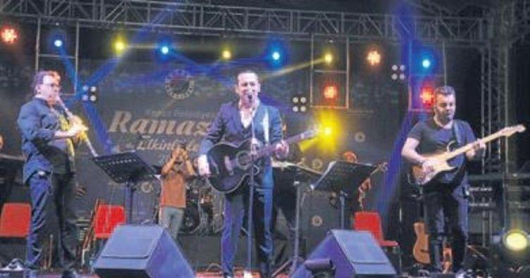 Ferhat Göçer'den Kepezlilere konser