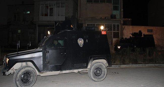 AK Parti İlçe Başkanlığı binasına yapılan saldırı