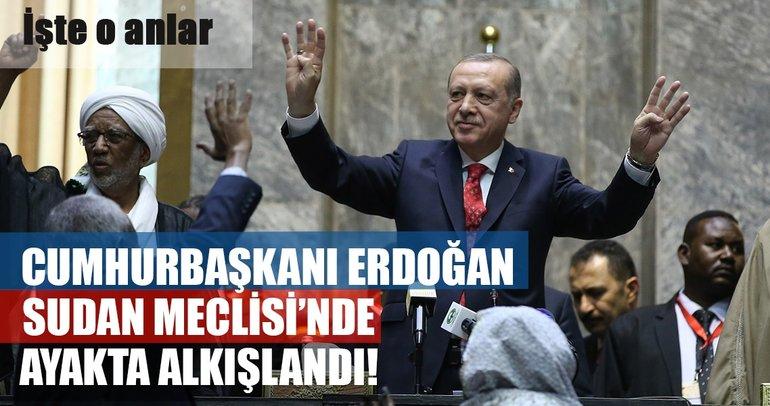Cumhurbaşkanı Erdoğan'ı ayakta alkışladılar
