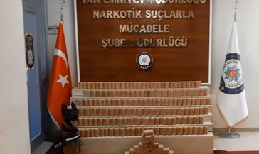 Van'da uyuşturucu tacirlerine dev darbe 102 kilo eroin ele geçirildi! Operasyon sonrası Karabağ mesajı