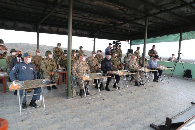 SON DAKİKA HABERİ: Milli Savunma Bakanı Hulusi Akar ve komutanlar izlerken tam isabetle vuruldu! TSK Akdeniz'de 'Fırtına' estirdi
