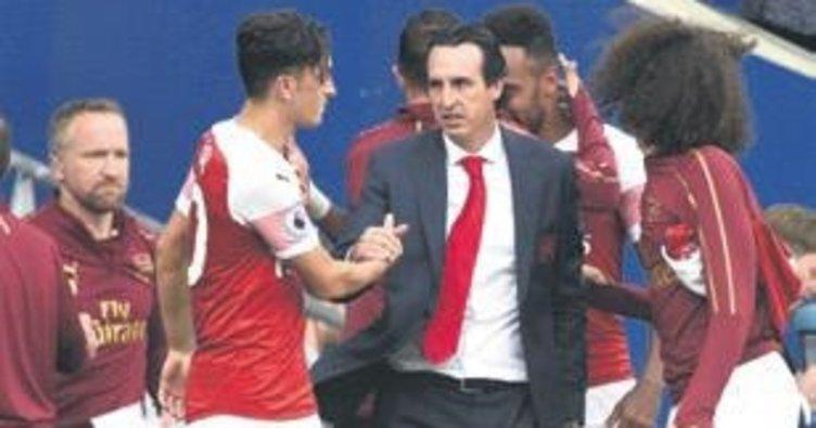 """Arsenal, Cardiff'ten """"MESUT"""" dönüyor"""