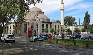 Almanya'da 3 camiye yine bomba ihbarı