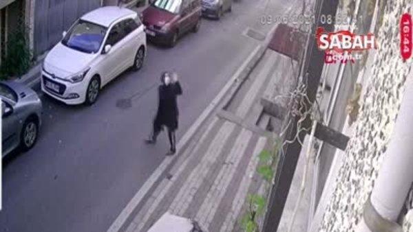 Üçüncü kattan üstüne kanepe düşüyordu, ölümden kıl payı kurtuldu | Video