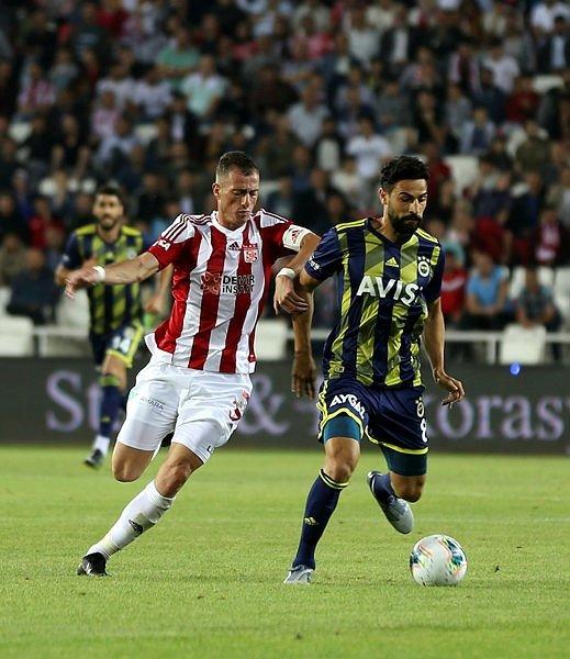 Fenerbahçe'de kadro dışı bırakılan Mehmet Ekici için flaş transfer iddiası