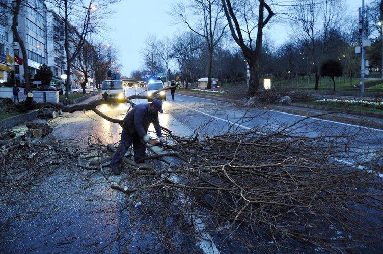 İstanbul'u lodos vurdu