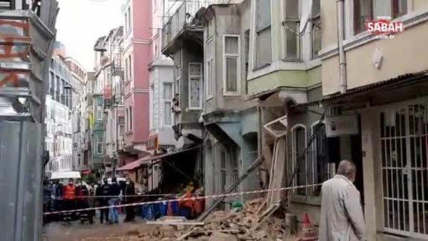 İstanbul'un ilçelerinden Beyoğlu'nda bina çöktü | Video