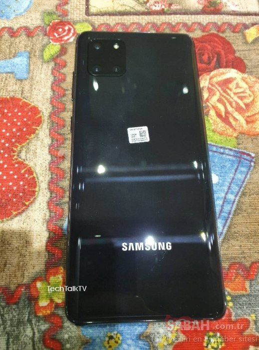 Samsung Galaxy Note 10 Lite ortaya çıktı! İşte Note 10 Lite'ın kanlı canlı fotoğrafları