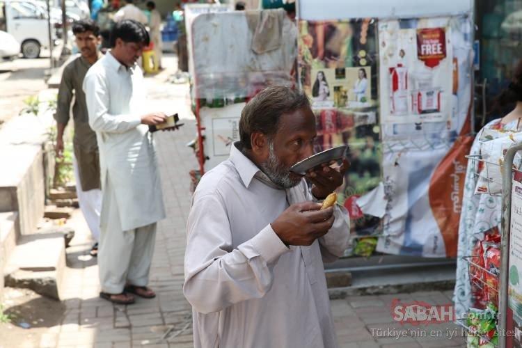Pakistan'da iftarların vazgeçilmez yemeği Samosa