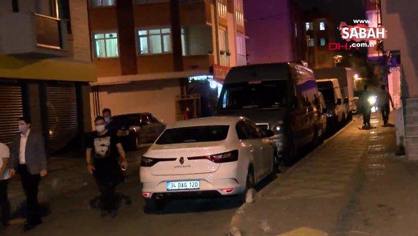 İstanbul Bağcılar'da bir araçtan açılan ateş sonucunda cadde üzerinde bekleyen 5 kişi yaralandı | Video