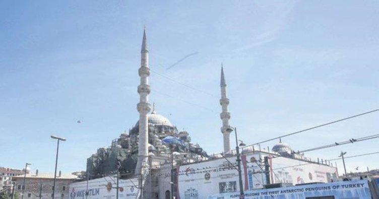Yeni Cami yeniden doğuyor