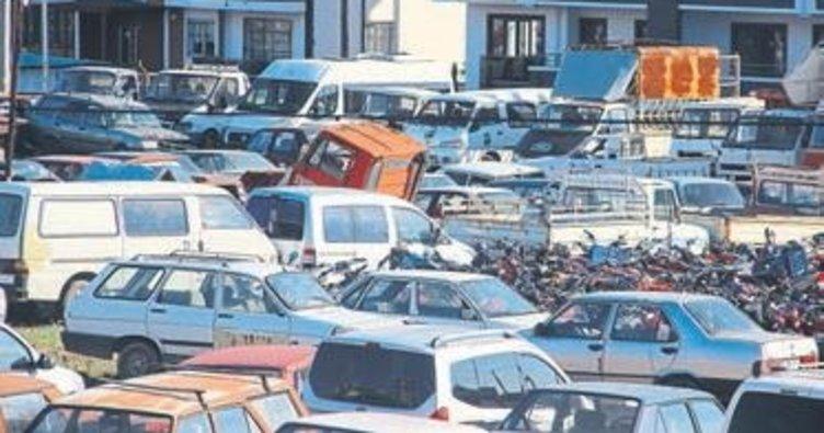 Edremit'te hurda araçlar toplanıyor