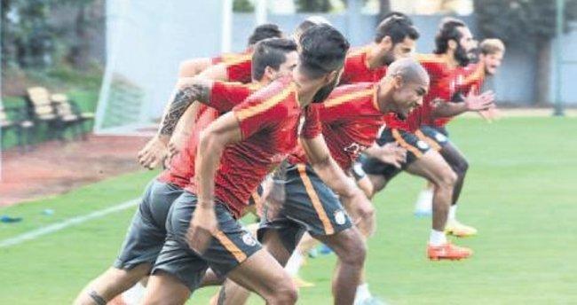 Galatasaray'a De Jong müjdesi!