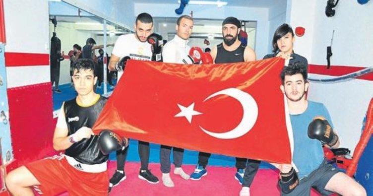 Türk bayrağı için mücadele edecekler