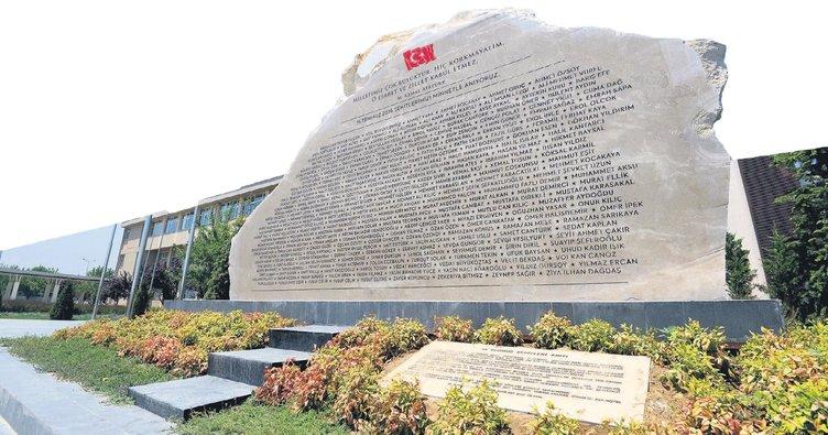 Kahramanların ismi 107 tonluk anıtla ölümsüzleşti