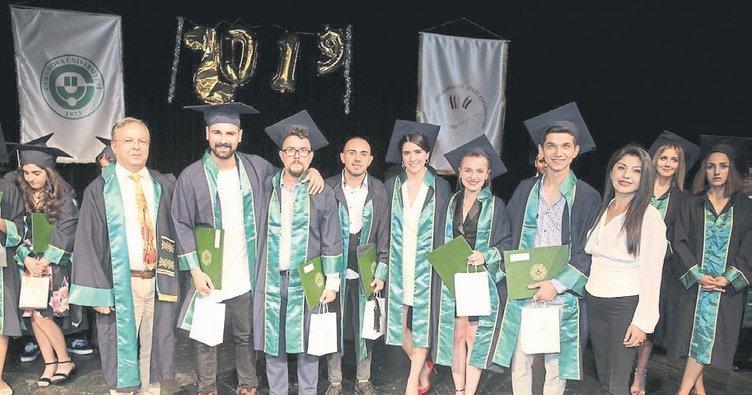 Devlet konservatuvarı mezunlarını uğurladı