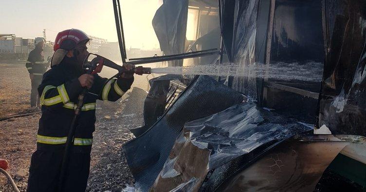 Şanlıurfa'da konteyner alev alev yandı