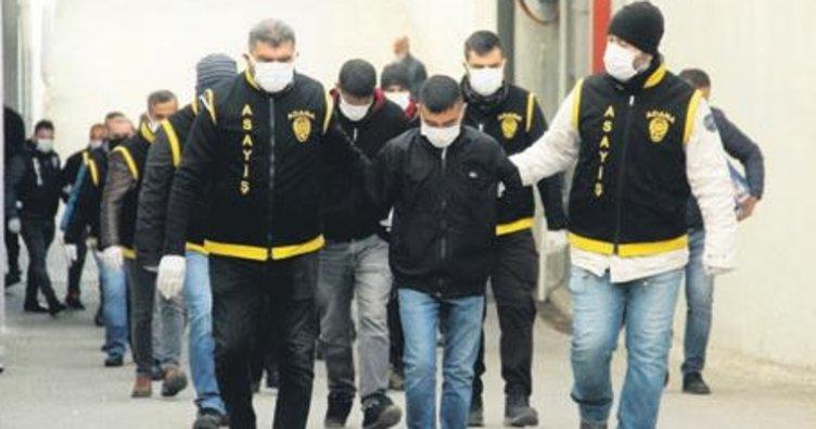 Kara'da FETÖ operasyonu: 22 şüpheliye gözaltı