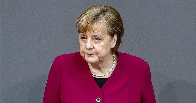 Başbakan Merkel'in sözü havada kaldı