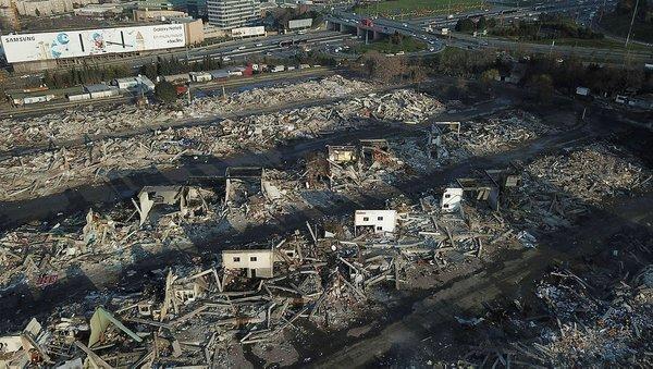 Zeytinburnu'ndaki Nakliyeciler Sitesi'nin yıkımı tamamlandı