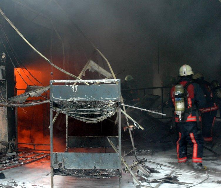 Topkapı'da büyük yangın!