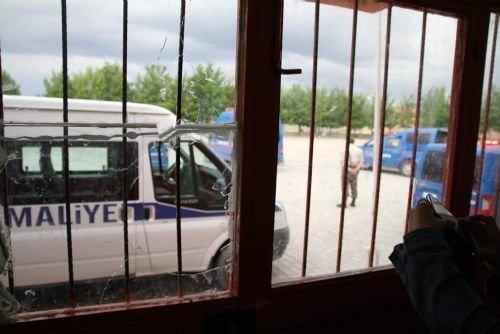 MHP ve CHP'liler kavga etti