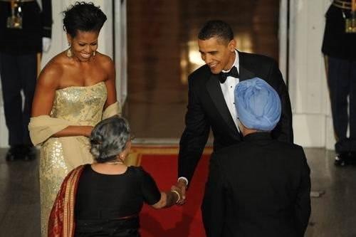 Obama Singh onuruna davet verdi