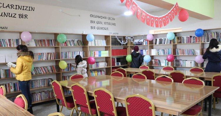 Kütüphanesi olmayan köy okulunda 4 bin kitaplık kütüphane açıldı