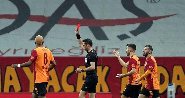 Galatasaray'da gerçek sorun ne? 'Fatih Hoca'nın kafası karıştı! Onun takımında en son yaşanacak şeyleri izliyoruz...'